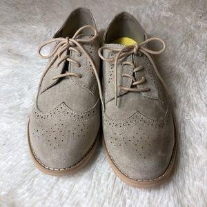 Gap Tan Suede Wingtip Flat Loafers Like New